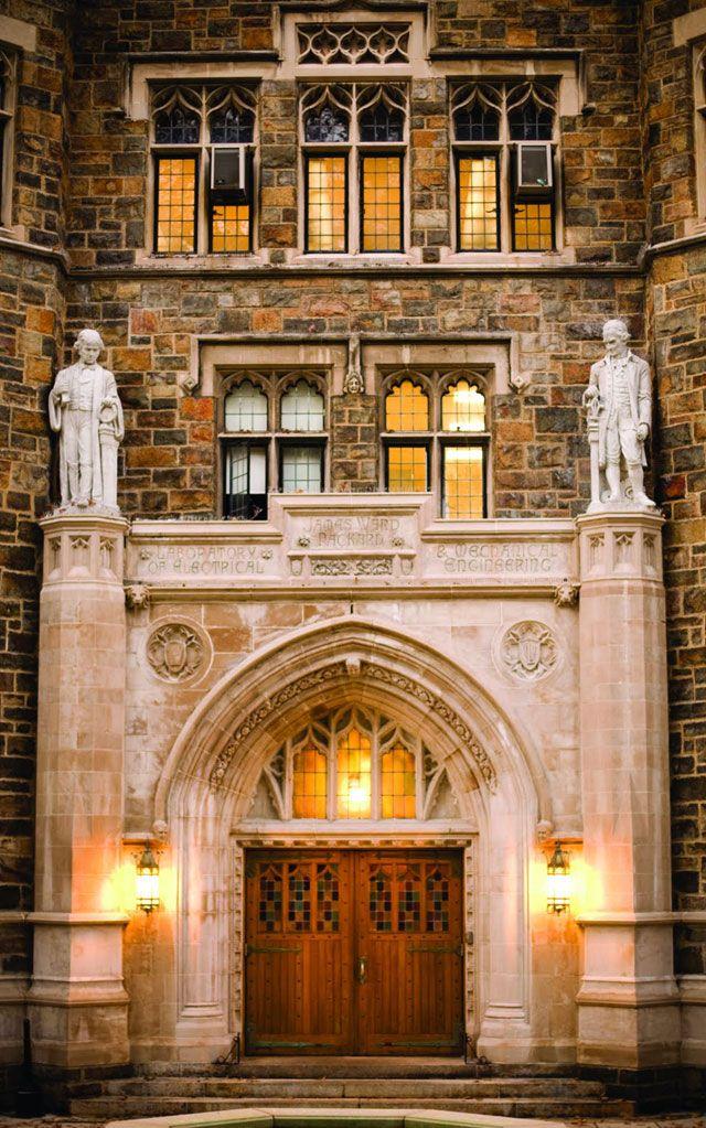 Main entrance to the Alumni Memorial Building
