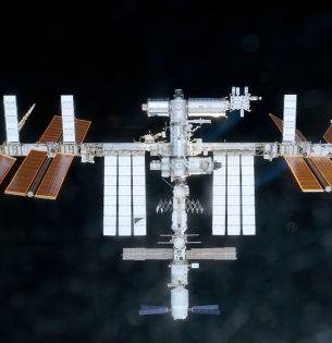 International Space Station (NASA, 02/26/11) Credit: NASA